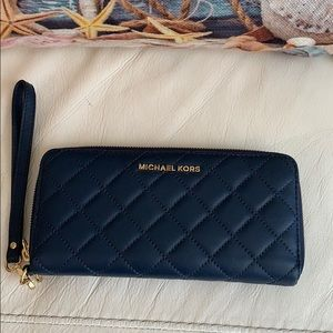 Micheal Kors navy blue wallet-like new!